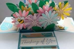 box card 1 daisy and bees